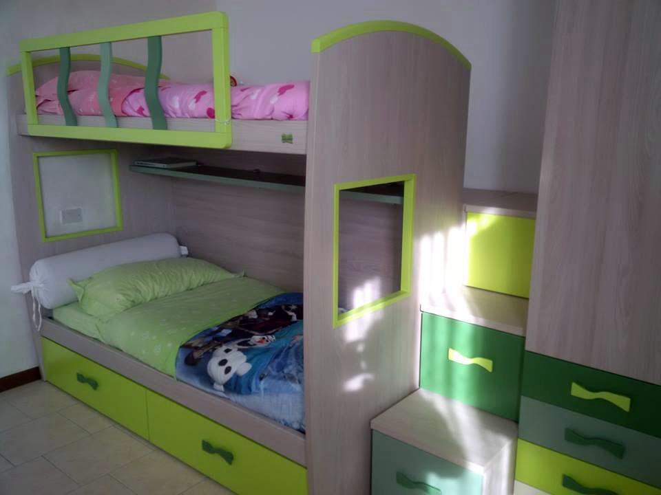 Beautiful concepito come ucletto per gli ospitiud il letto for Arredamento camerette piccoli spazi