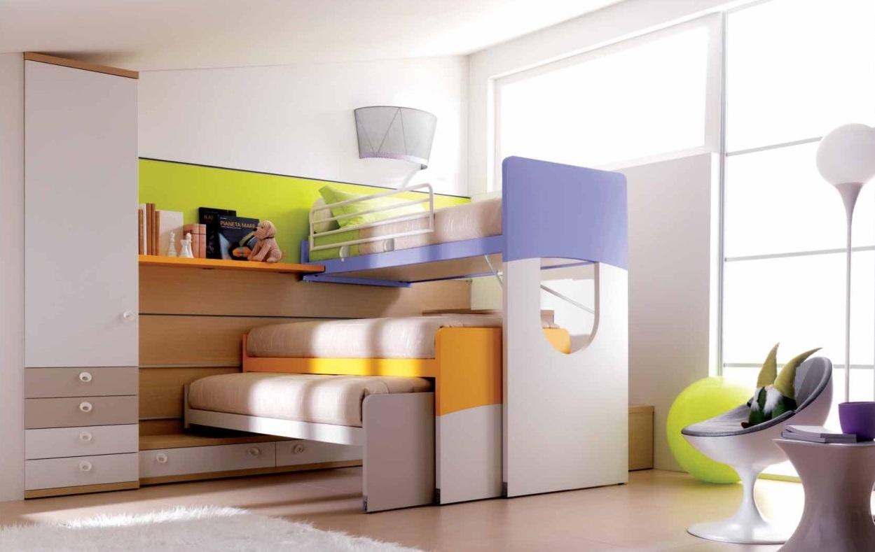 Tre figli in una cameretta soluzioni pratiche e for Soluzioni salvaspazio camera