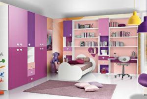 Scopri la proposta d'arredo ideale per tua figlia: una cameretta spaziosa e colorata con letto singolo e una zona studio dalle tonalità di rosa. Bronze 03: Mondo Camerette