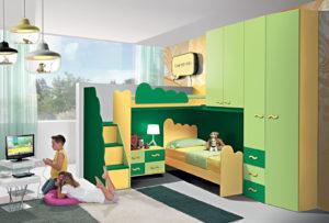 Una cameretta a soppalco che mette d'accordo fratello e sorella. Ecco la nostra proposta d'arredo colorata di giallo e verde con armadio e letto a ponte. Bronze 07: Mondo Camerette